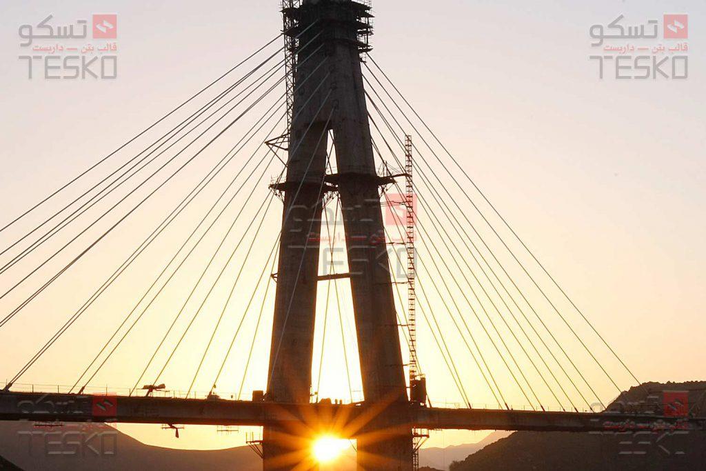 تسکو - قالب لغزنده - قالب پایه پل - پل لالی